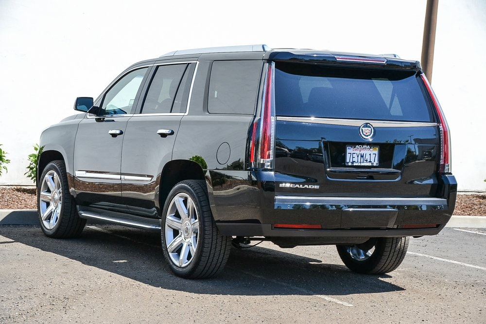Pre-Owned 2015 Cadillac Escalade Luxury