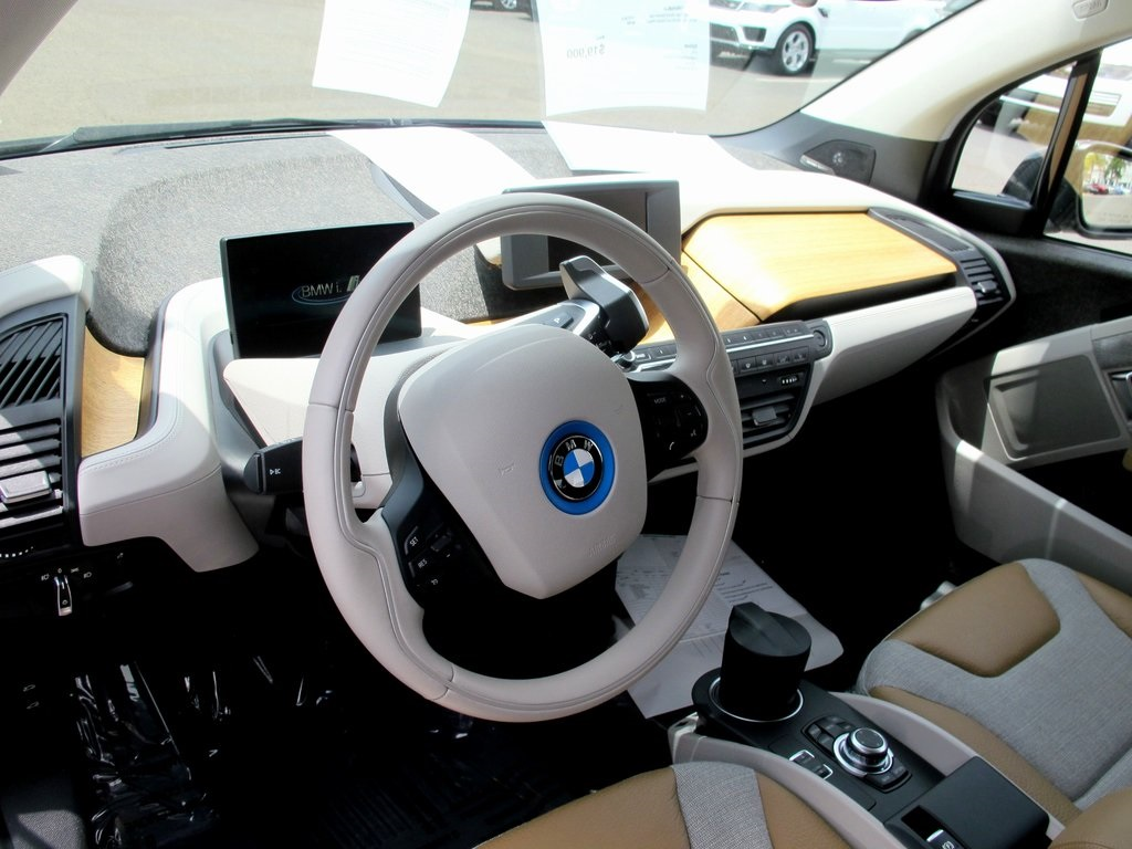 Pre-Owned 2015 BMW i3 Base